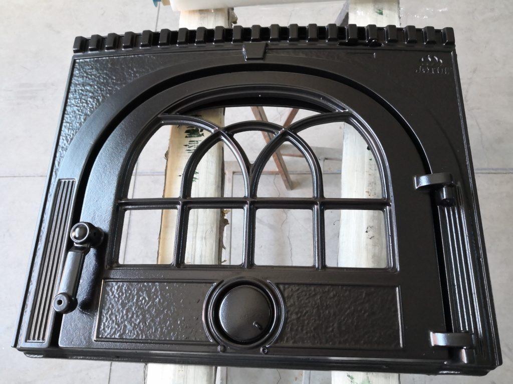 frente de chimenea de hierro
